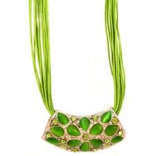 Колье «Зеленые цветы»